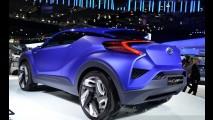 Flagra: Toyota já testa SUV rival do HR-V que estreia em 2016