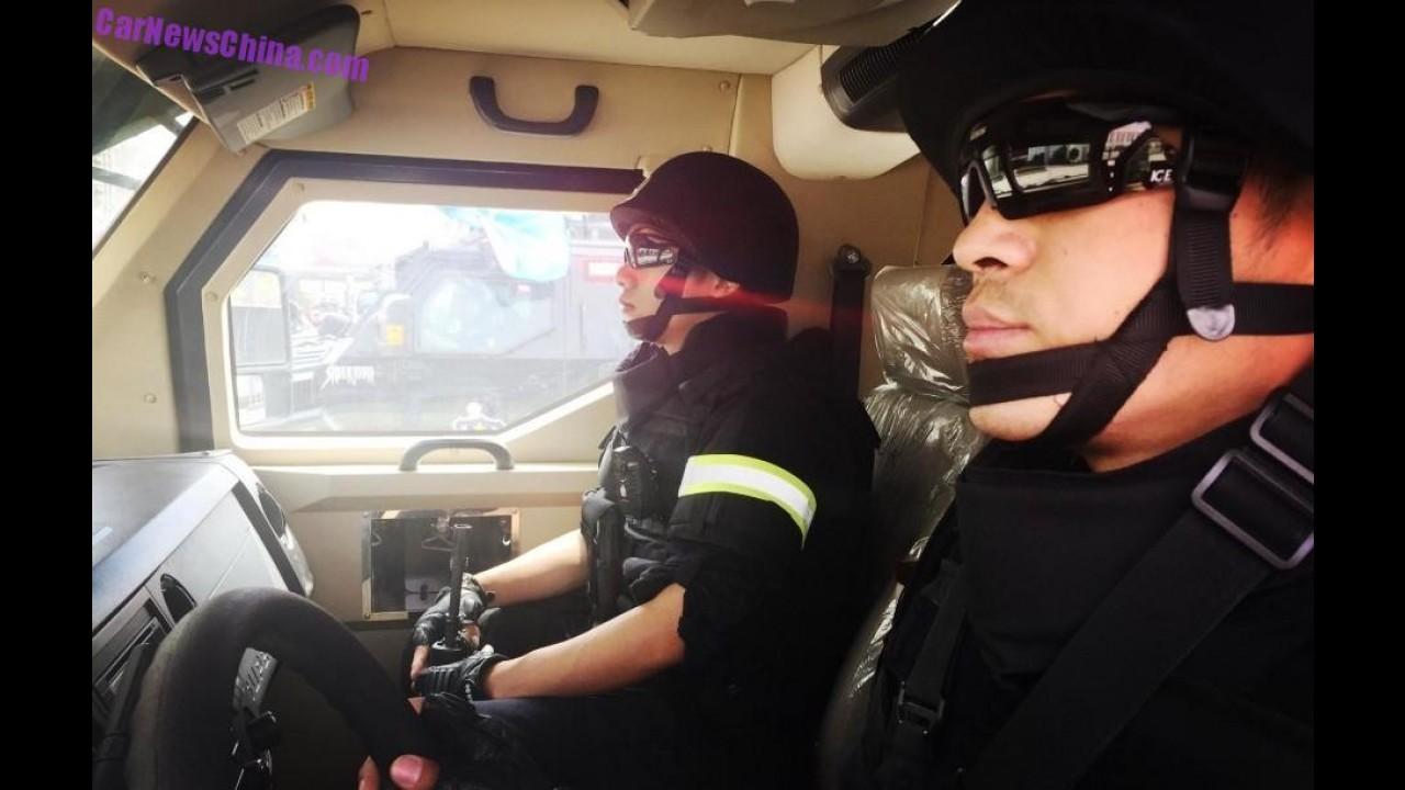 """Conheça Sabertooth, o novo """"Caveirão"""" da polícia chinesa"""