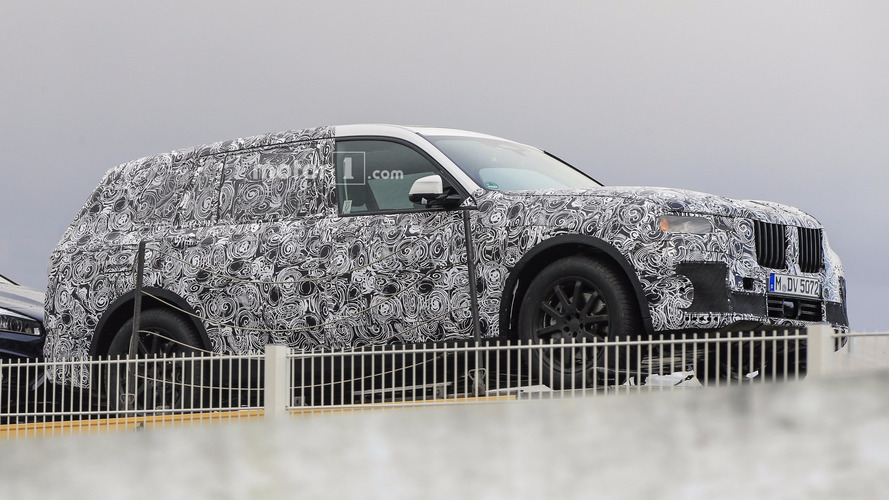 BMW X7 caught with production body for the first time