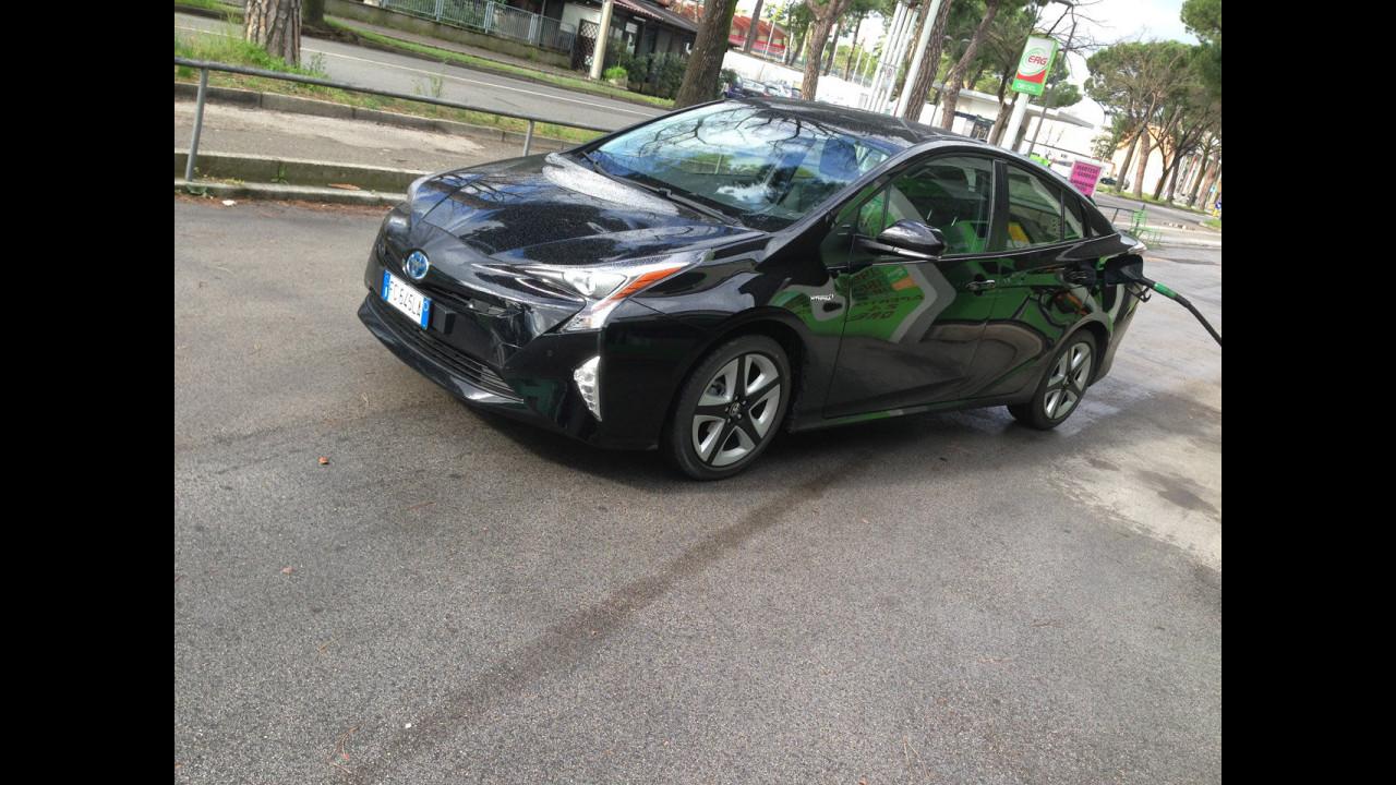 Nuova Toyota Prius, test di consumo reale Roma-Forlì