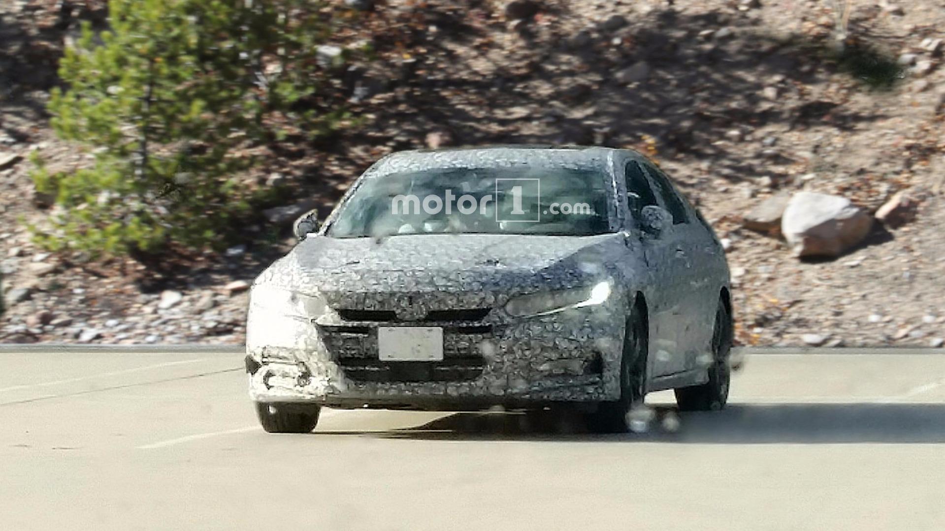 "Flagra - Novo Honda Accord 2018 será um ""Civicão"""