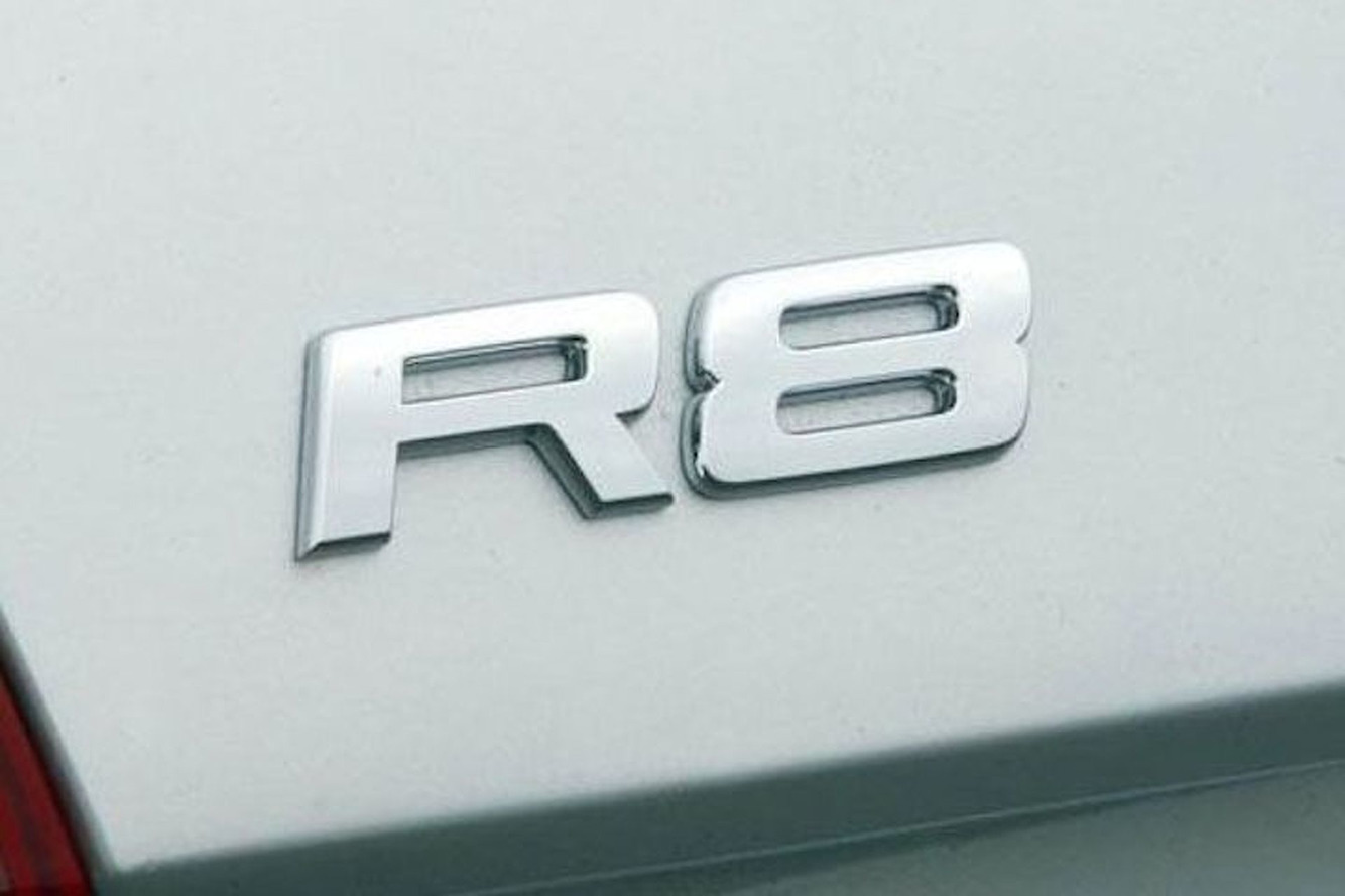 2010 Audi R8 V10 is Bold and Beautiful: Your Ride