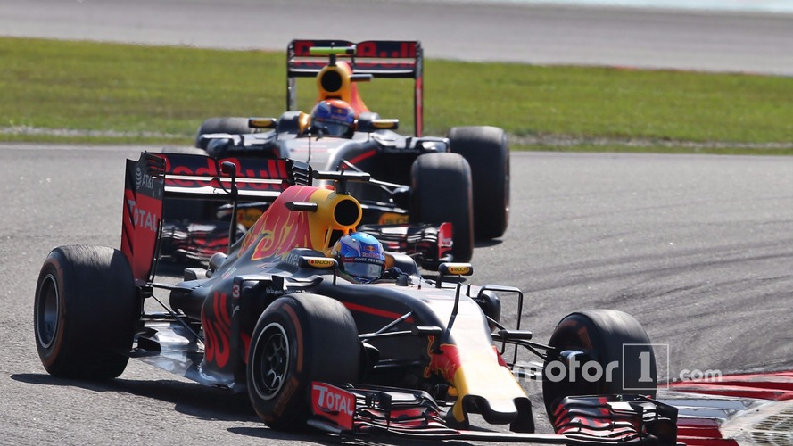 Verstappen: Anyone but Ricciardo I would have pushed wide