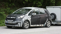2010 Kia Ceed Plus MPV spy photos