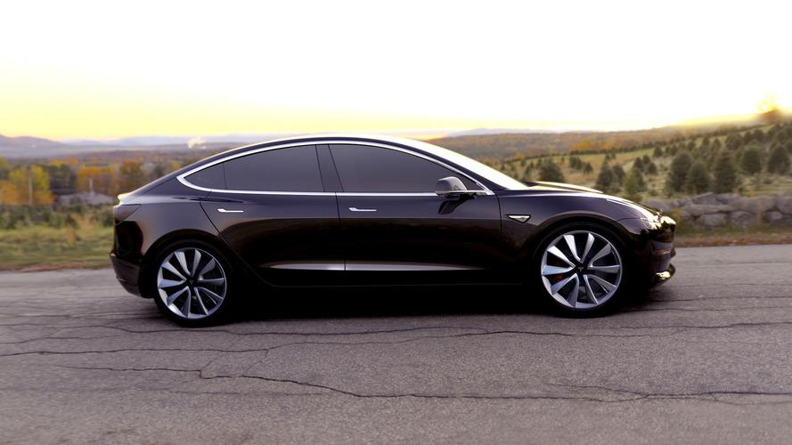 Tesla Model 3 beklenenden daha önce piyasaya sürülebilir