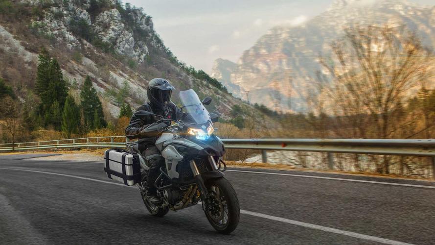 Benelli España inicia la comercialización de su nueva TRK 502