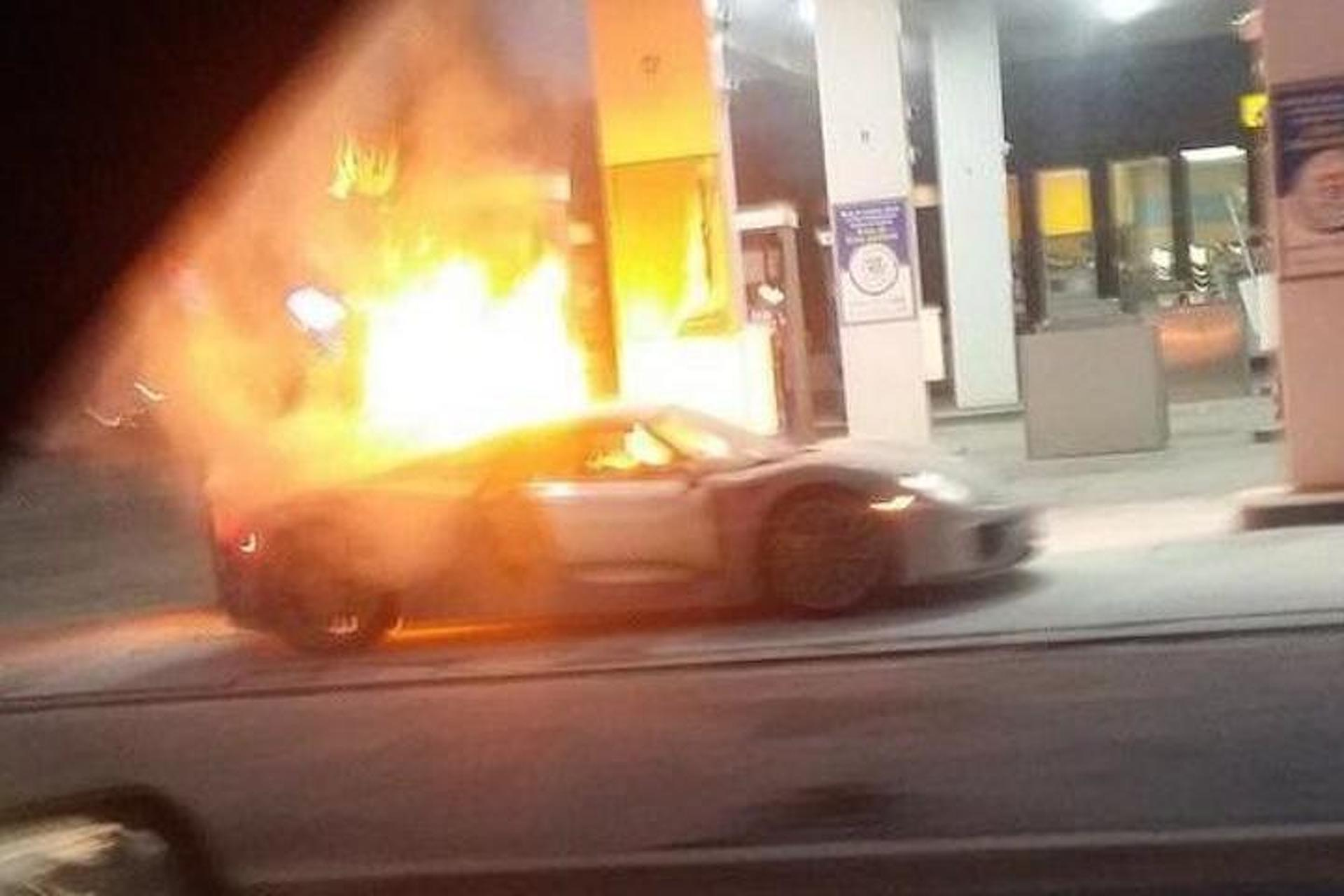 Porsche 918 Hypercar Goes up in Flames: Video