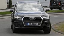 Audi SQ7 spy photo