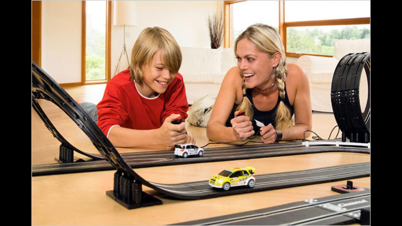 Slotcar-Rallye für Suzuki-Fans