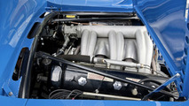 "The sports car engine of the Mercedes-Benz 300 SL in ""The Blue Wonder"": The six-cylinder unit with an output of 141 kW (192 hp) propels the racing car carrier to an outstanding maximum speed of 170 km/h."