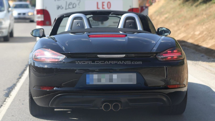 Facelifted Porsche Boxster poses for the camera once more almost undisguised (22 photos)