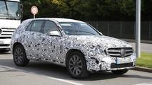 Next-gen Mercedes-Benz GLK/GLC spied up close on a sunny day