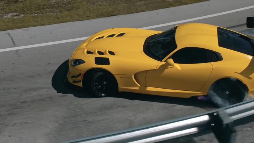 """Így búcsúzik egy olajcég """"a V8-zabáló"""" Dodge Vipertől"""