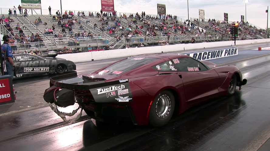 4,000-HP Corvette Dragster Goes Airborne After 322 KM/H Wheelie