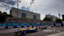 Sébastien Buemi, Renault e.Dams leads Jean-Eric Vergne, DS Virgin Racing