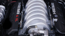 Chrysler 6.1-liter 425-horsepower HEMI V-8 engine