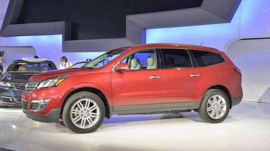 Chevrolet showcases 2013 Traverse's front central airbag [video]