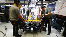 McLaren Honda engineers