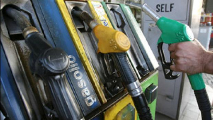Benzina, per l'Antitrust distributori aperti 24 ore su 24