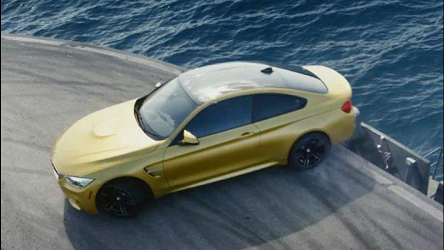 BMW M4 Coupé, l'acrobata della portaerei [VIDEO]