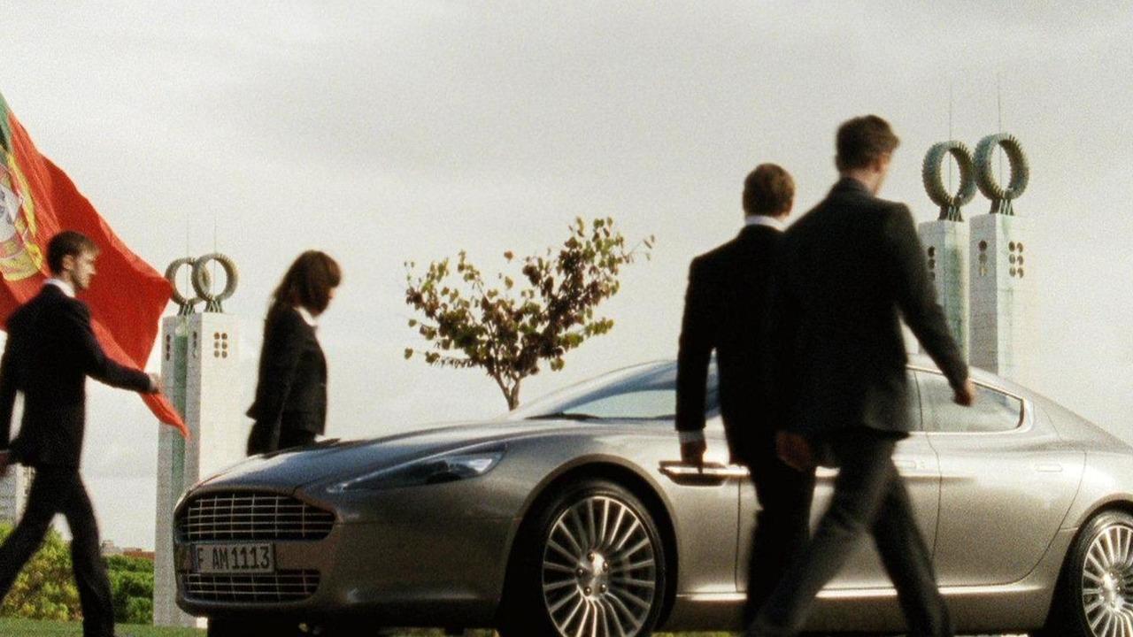 Aston Martin Rapide, True Power Should Be Shared, film screenshot 13.01.2011