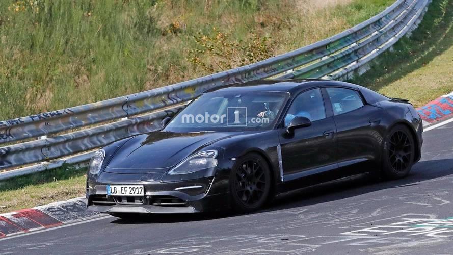 Porsche Mission E 2020: fotos espía, rodando en Nürburgring