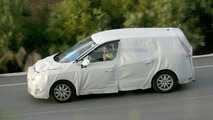 New Renault Scenic Spy Photos