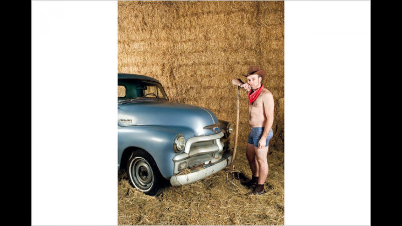 Mit dem Chevy im Heu