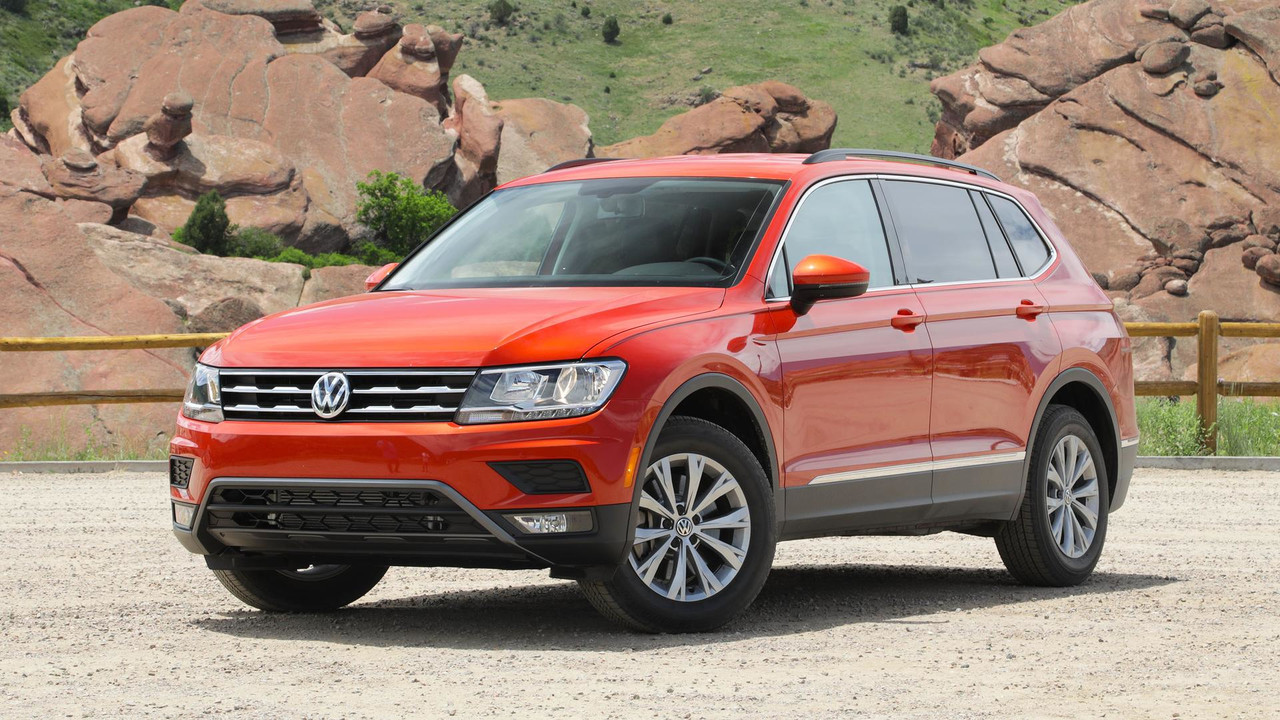 2018 volkswagen tiguan first drive weird in name only. Black Bedroom Furniture Sets. Home Design Ideas
