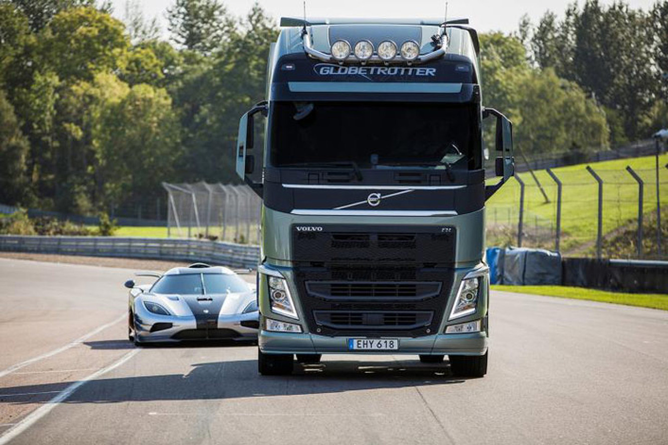 Watch the Koenigsegg One:1 Race a Volvo Truck