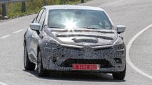2017 Renault Clio facelift spy photo