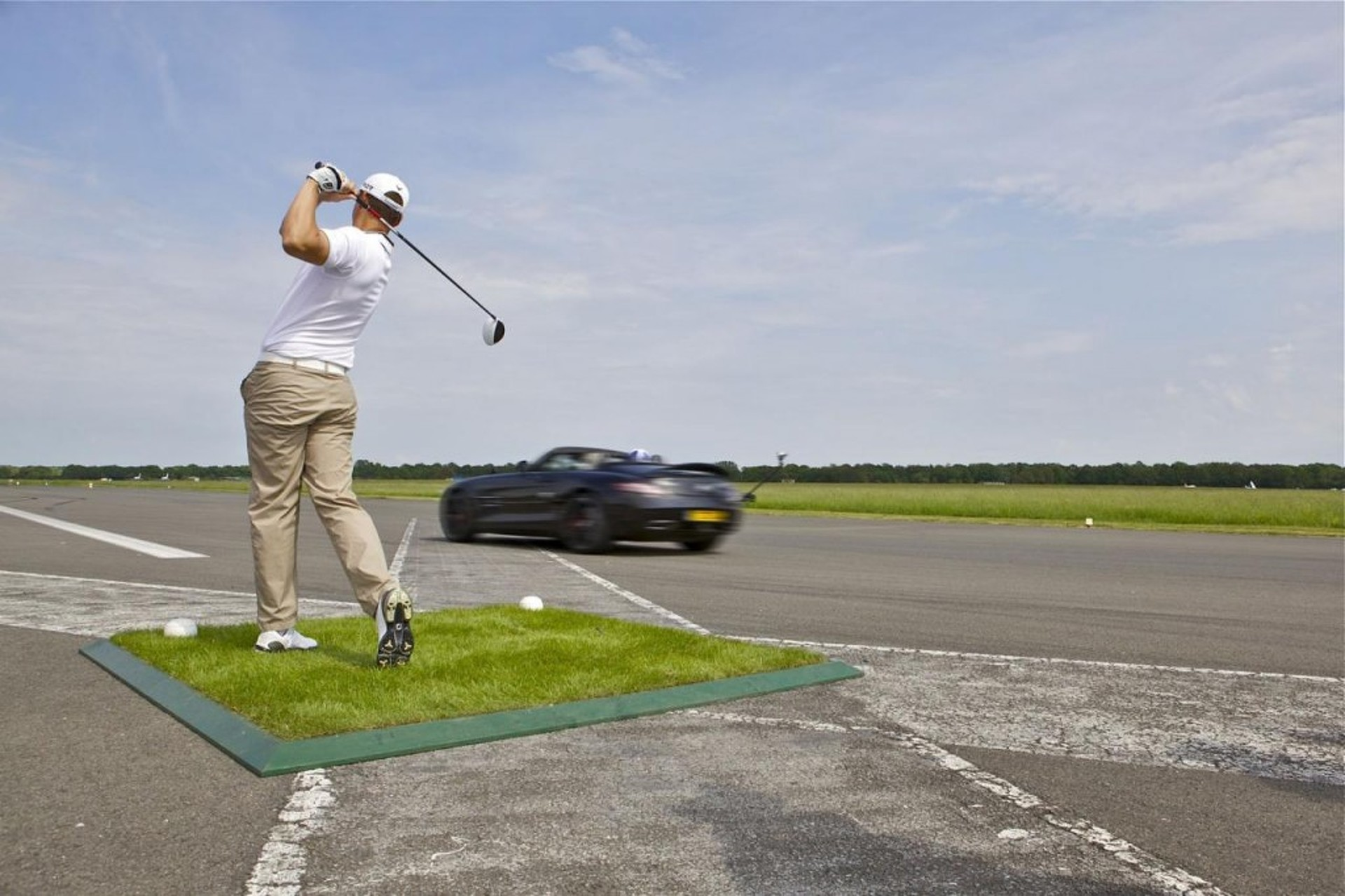 Video: David Coulthard Catches 178 MPH Golf Ball in an SLS AMG