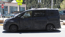 Next-gen Nissan Serena spy photo