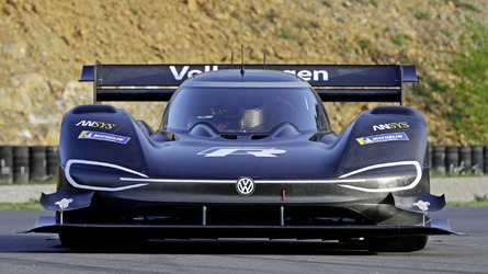 VW a Pikes Peaken: amikor egy felvarrható logó jelenti a többletsúlyt