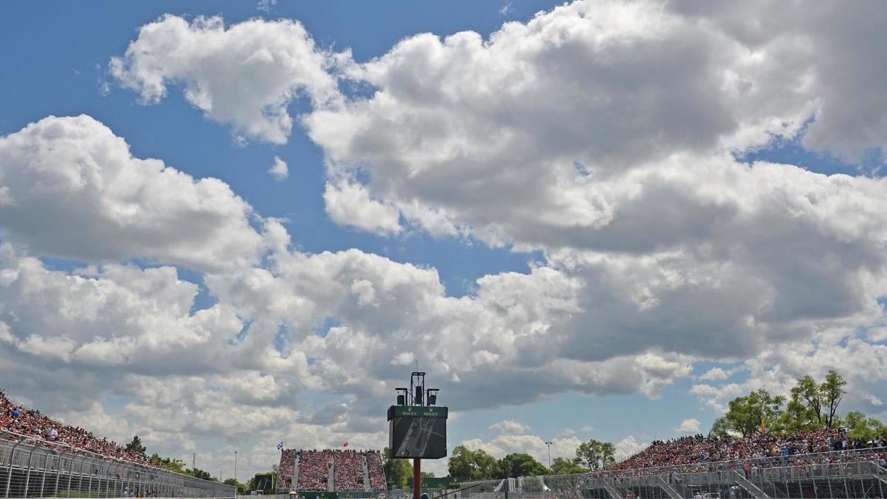 Sebastian Vettel (GER) leads the race, 09.06.2013, Canadian Grand Prix, Montreal / XPB