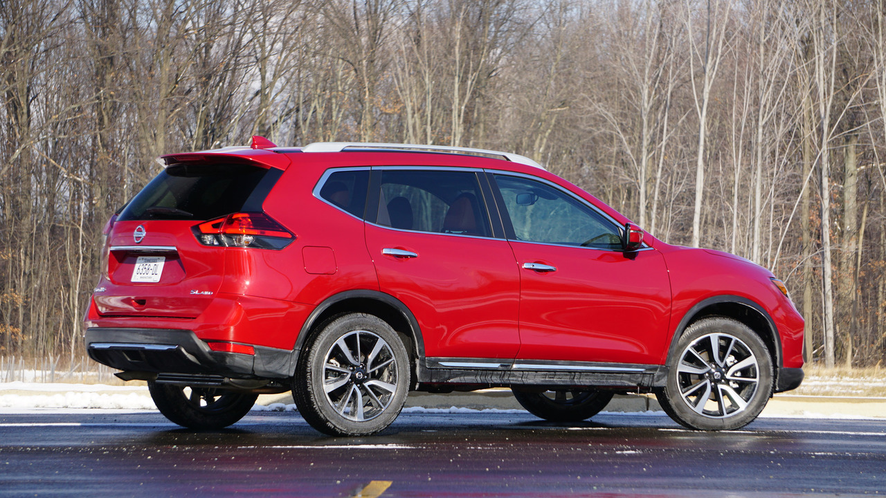 2017 nissan rogue review a pro on paper. Black Bedroom Furniture Sets. Home Design Ideas