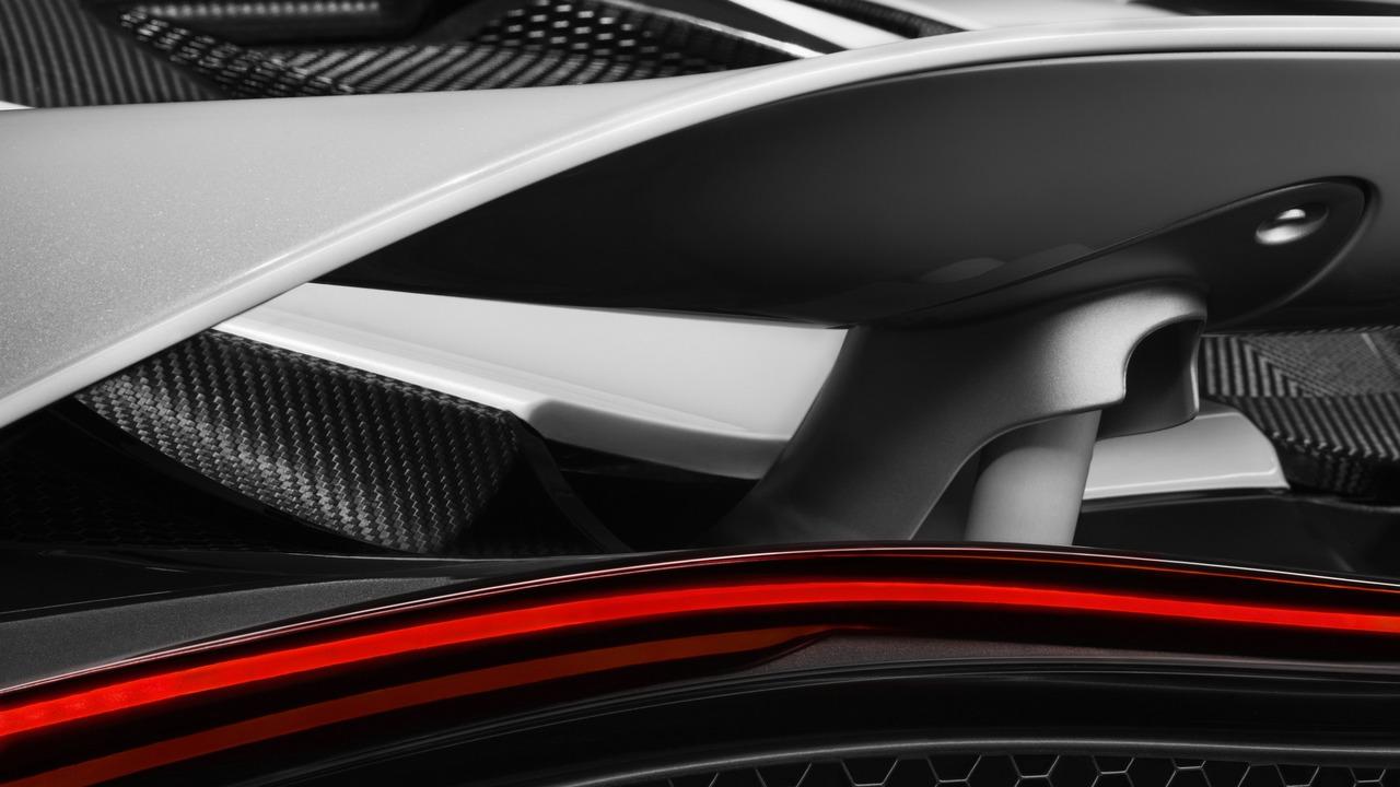 McLaren 650S successor rear wing