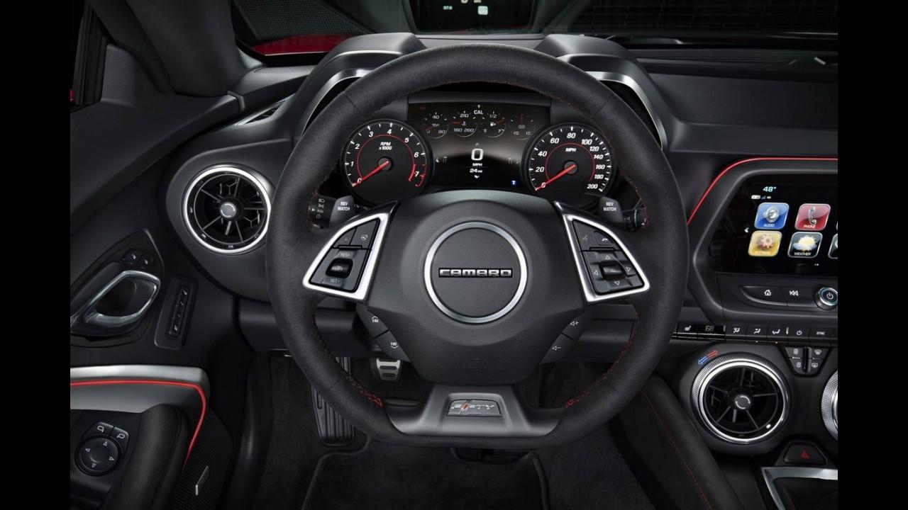 """Chevrolet revela Camaro ZL1 Convertible, """"sem teto"""" de 649 cv e 10 marchas"""