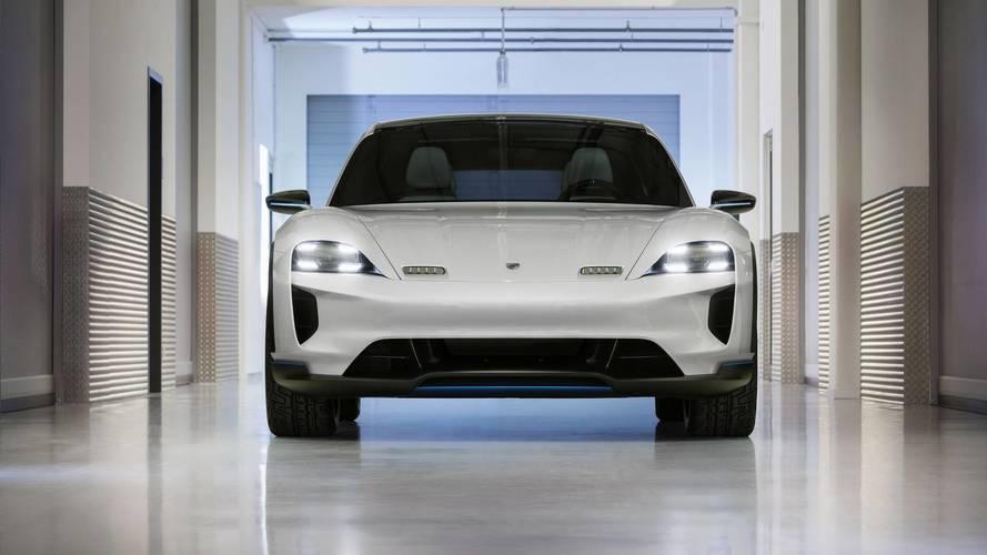 Porsche, Mission E Cross Turismo'nun detaylarını anlatıyor