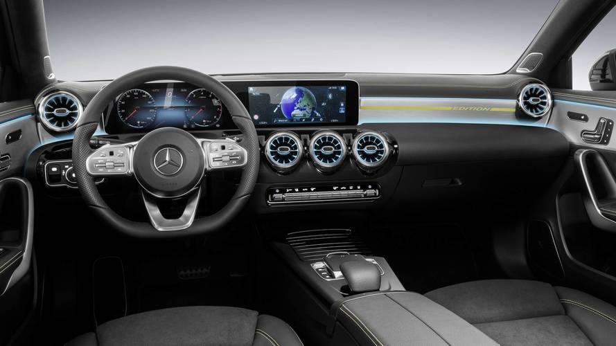 Mercedes-Benz apresentará nova central multimídia na CES 2018 2018-mercedes-a-class-interior