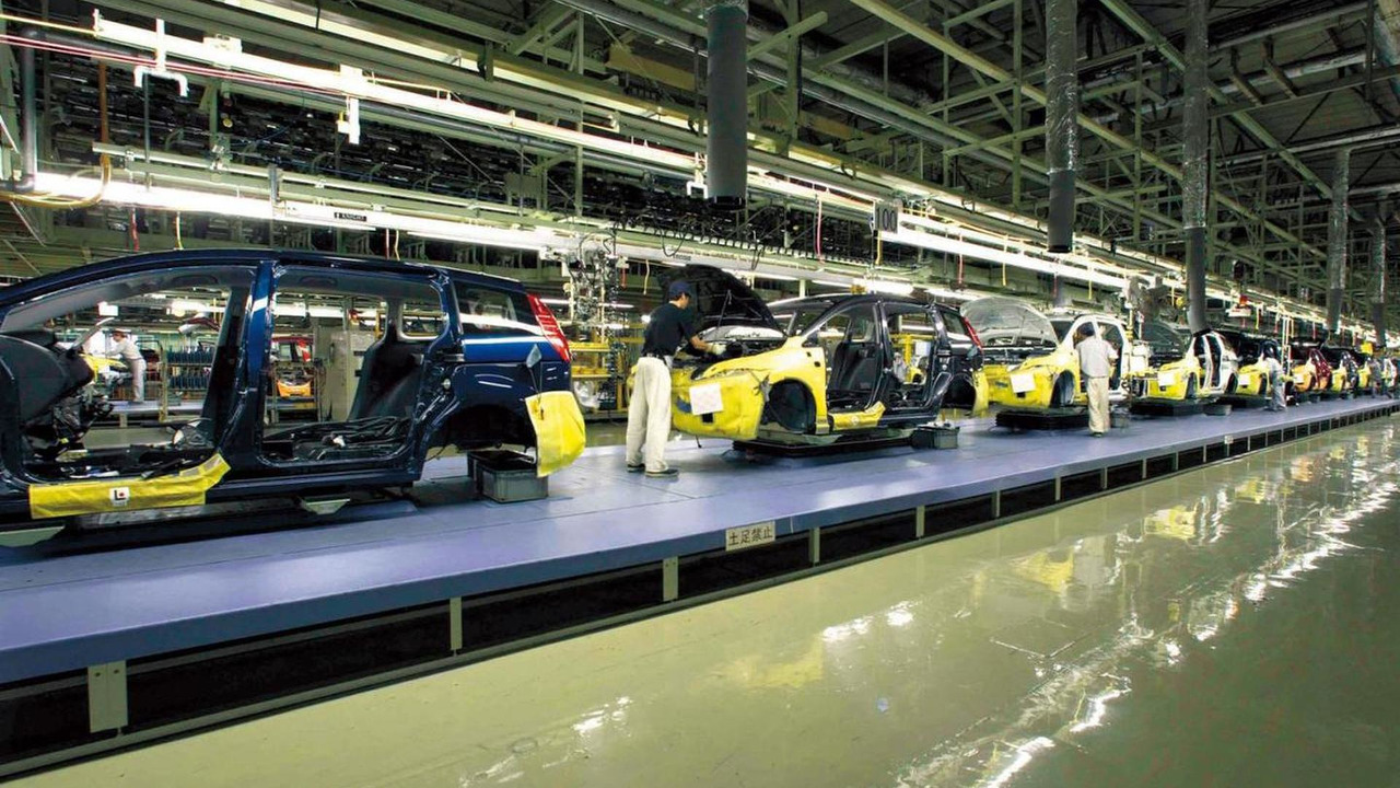Mazda Ujina plant number 2 assembly line, 30.06.2006