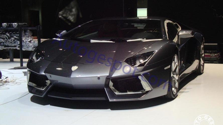 Lamborghini Aventador LP700-4 spied uncovered on Geneva show floor