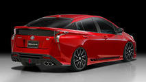 2016 Toyota Prius puts on an aggressive face