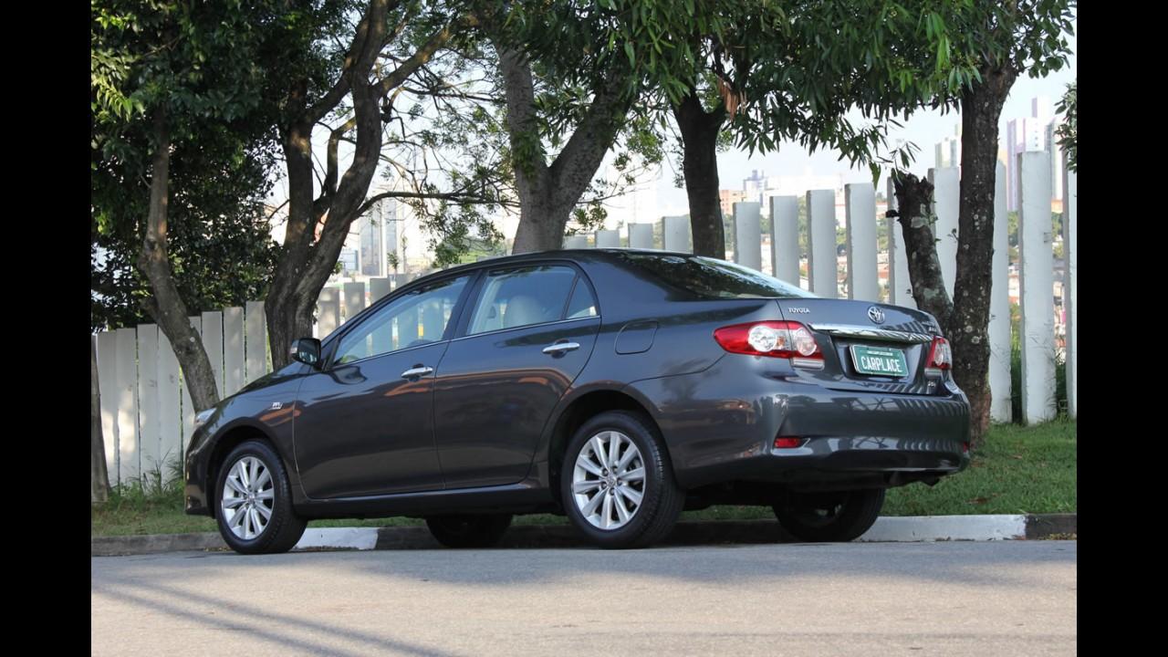 Especial Sedãs Médios CARPLACE: Agora é a vez do líder Toyota Corolla 2.0 Altis 2012