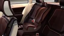 Volvo celebra 25 anos da primeira cadeirinha integrada - veja evolução