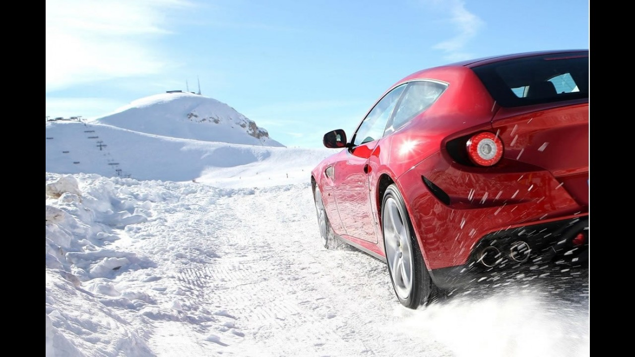 Ferrari divulga fotos da nova FF na neve