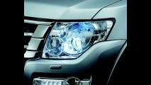 Pajero Full 2015 ganha frente atualizada, retoques no interior e LEDs diurnos