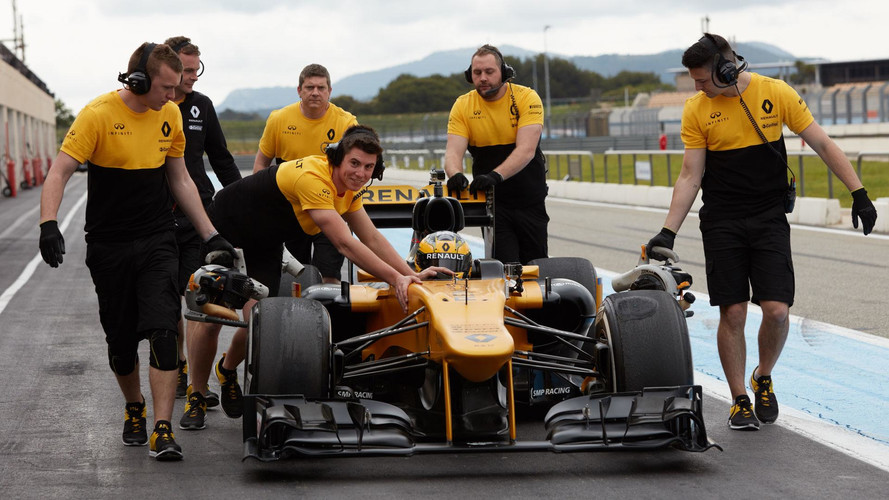 79-Year-Old Lady Drives Renault F1 Car
