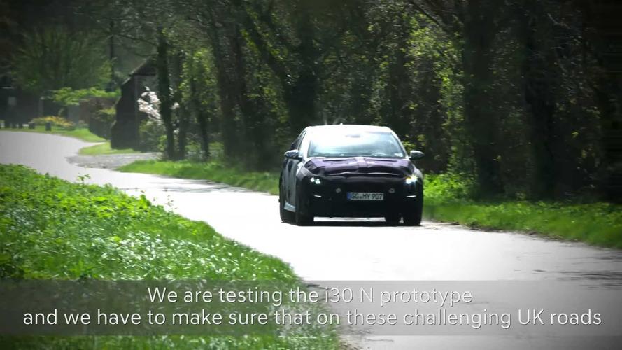 El Hyundai i30 N 2017, a prueba por carreteras británicas