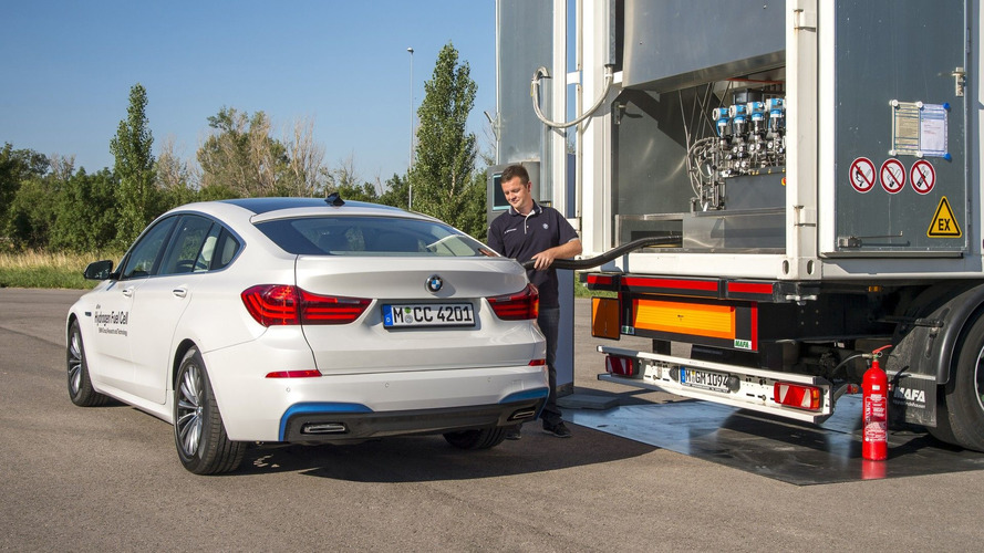 BMW hydrogen road car still being developed